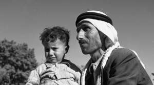 thumbs_Arab-with-Child